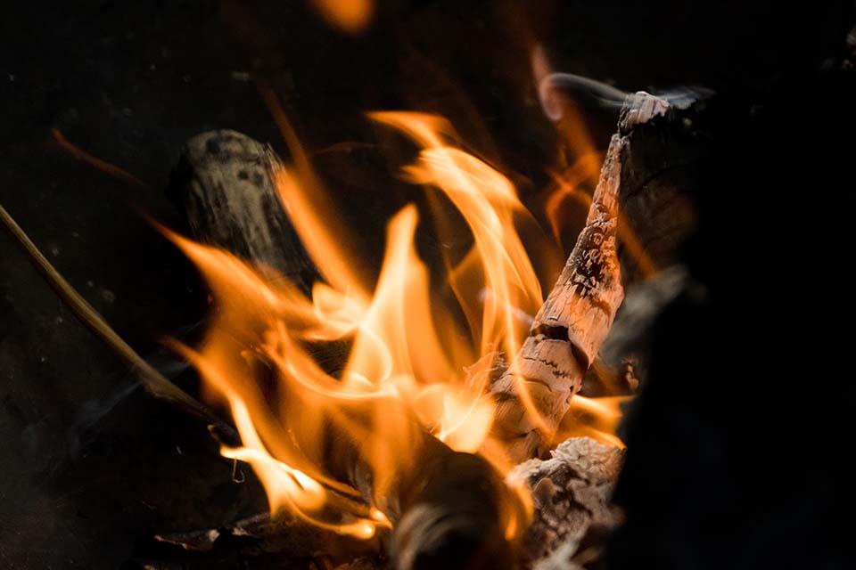 讓防焰窗簾協助守護居家安全!立即了解防焰窗簾價格、種類及材質!