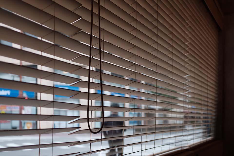 【木百葉窗簾】實惠木百葉窗簾價格,就能讓居家風格更加高大尚!