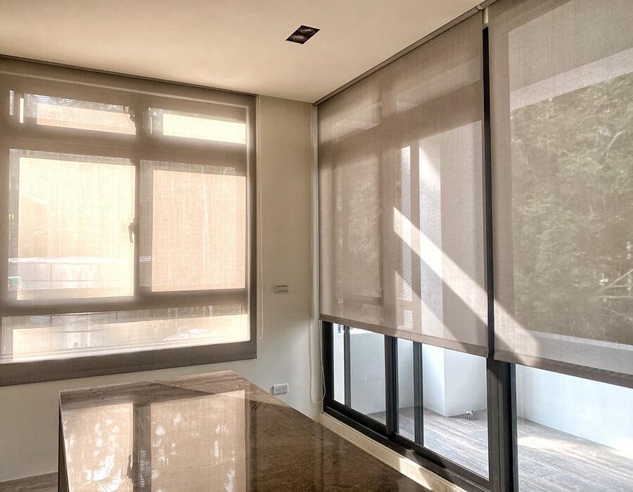 防焰捲簾給你最安心的窗簾推薦,訂做窗簾就找布魯斯窗簾訂做
