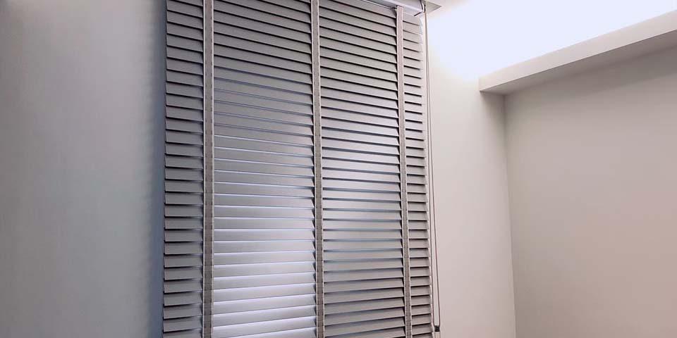 【木百葉簾案例】看膩了白色的木百葉簾嗎?它色木百葉簾也可以!